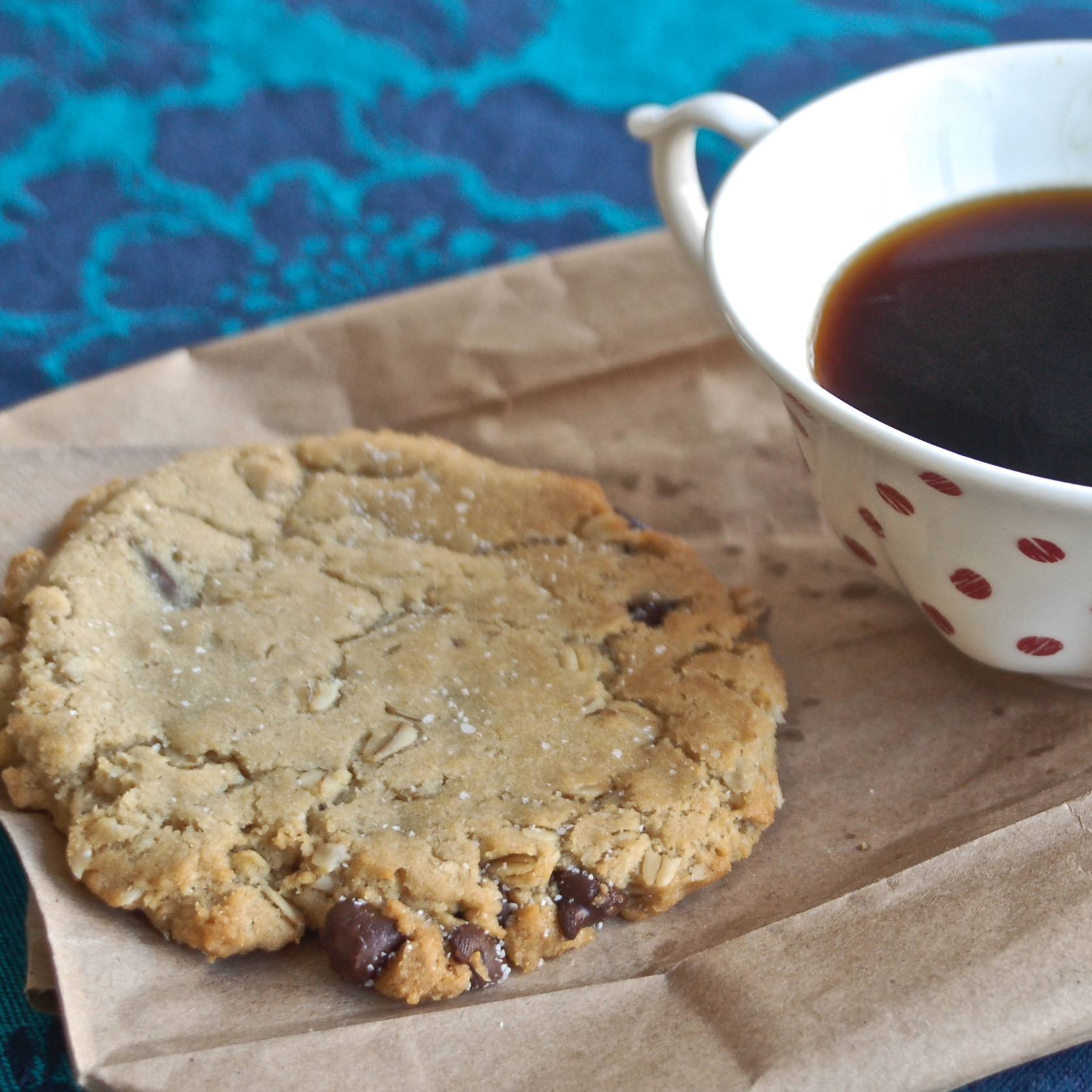 Vegan Sweet & salty Chocolate Chip Cookies l inmybowl.com