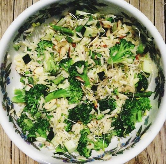 vegan green orzo salad with almonds l in my bowl
