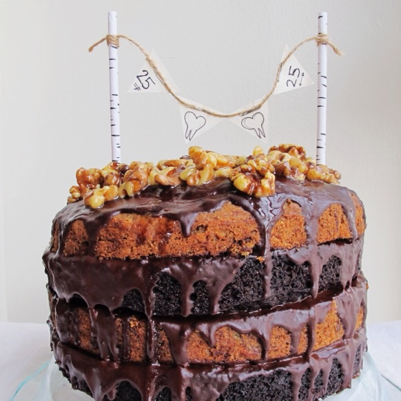 Dark Chocolate Chip & Walnut Banana Layer Cake with Maple Glazed Walnuts, Vegan // inmybowl.com