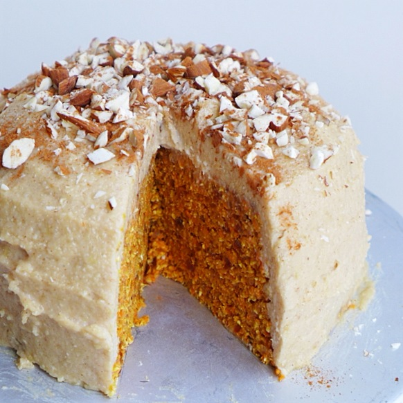 Raw Carrot Cake with Lemon Cinnamon Frosting, Vegan // inmybowl.com