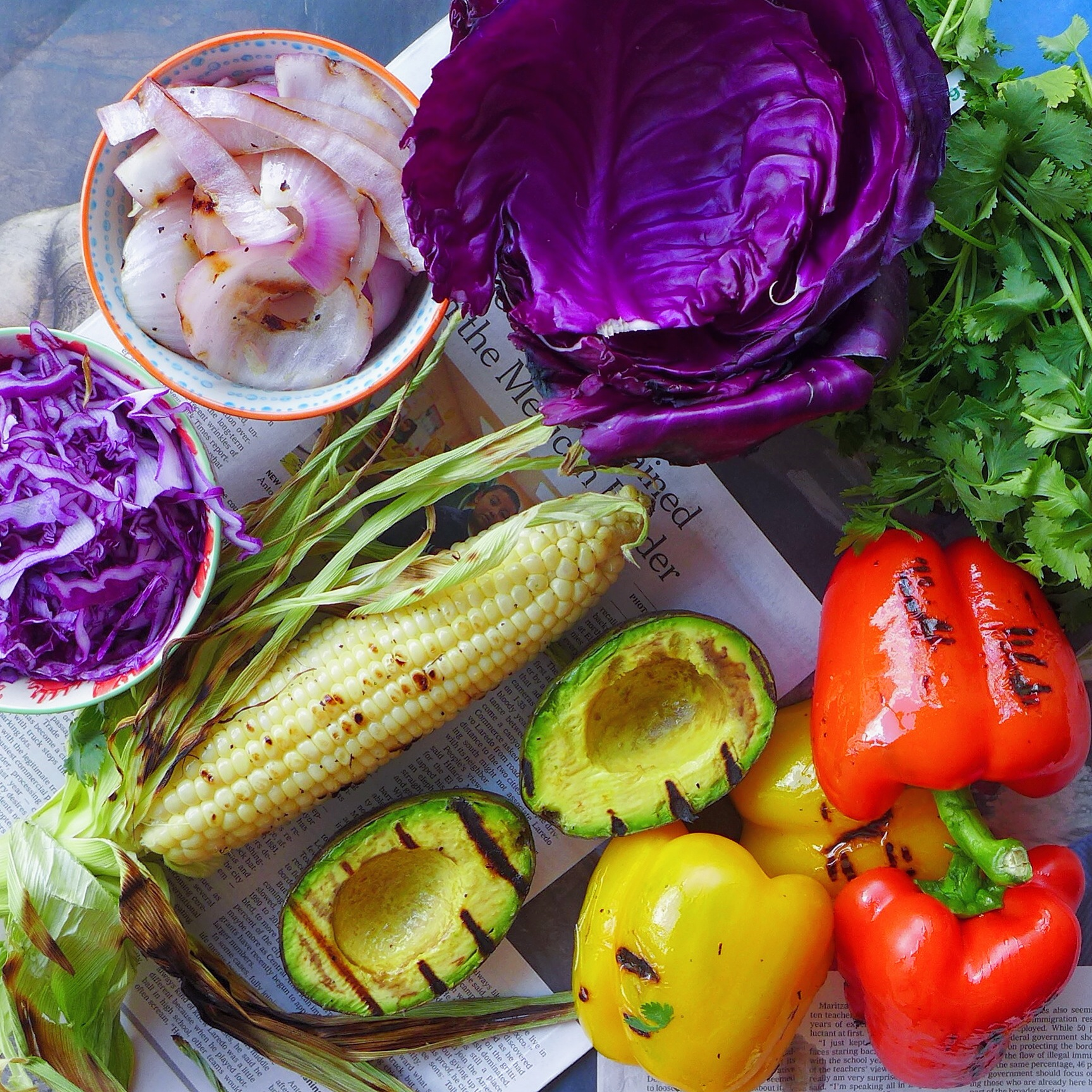 Red Cabbage Tacos + Salad with Grilled Veggies, vegan // inmybowl.com