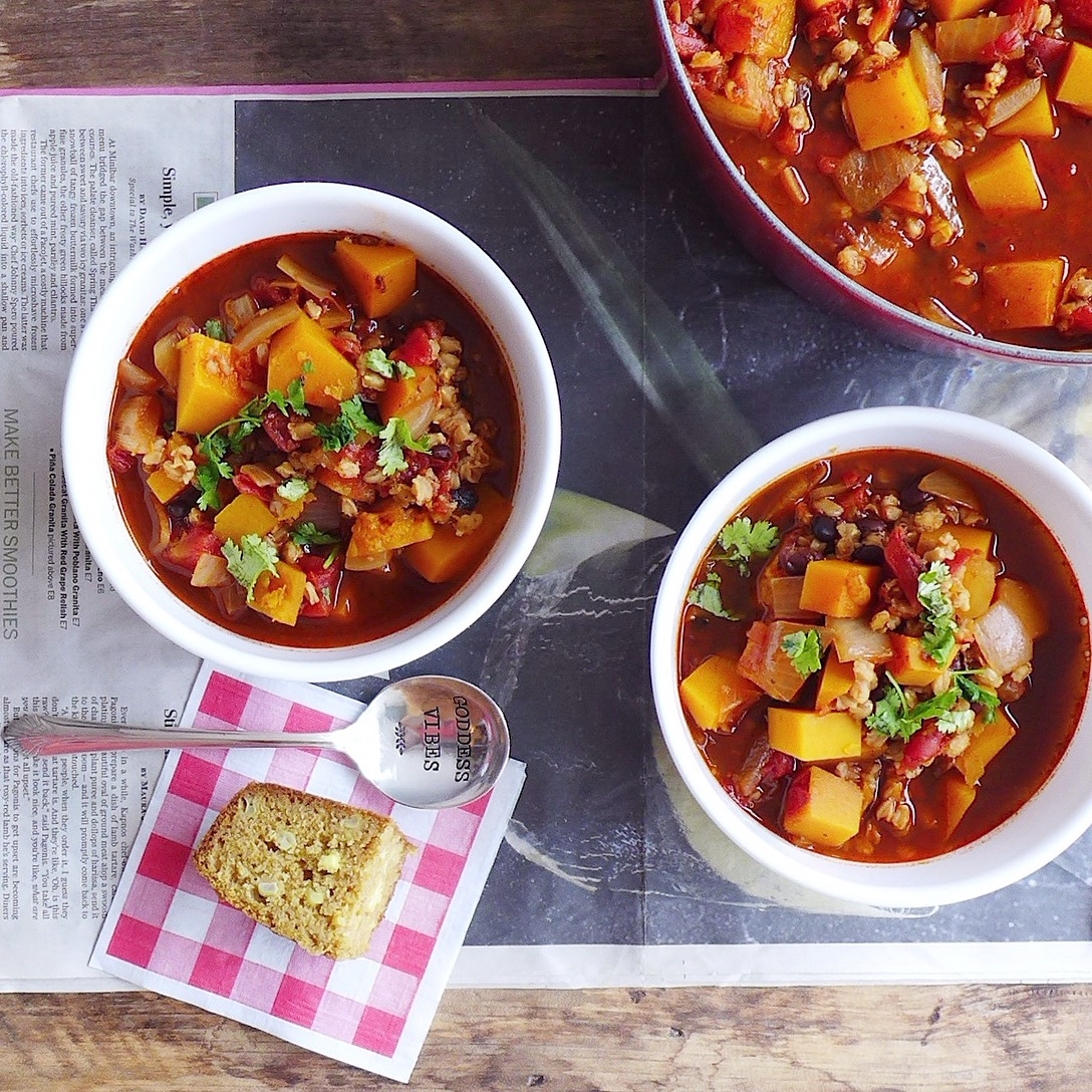 Super Bowl Recipe Roundup: Chilly Weather Chili with butternut squash, black beans & farro (#vegan) // inmybowl.com