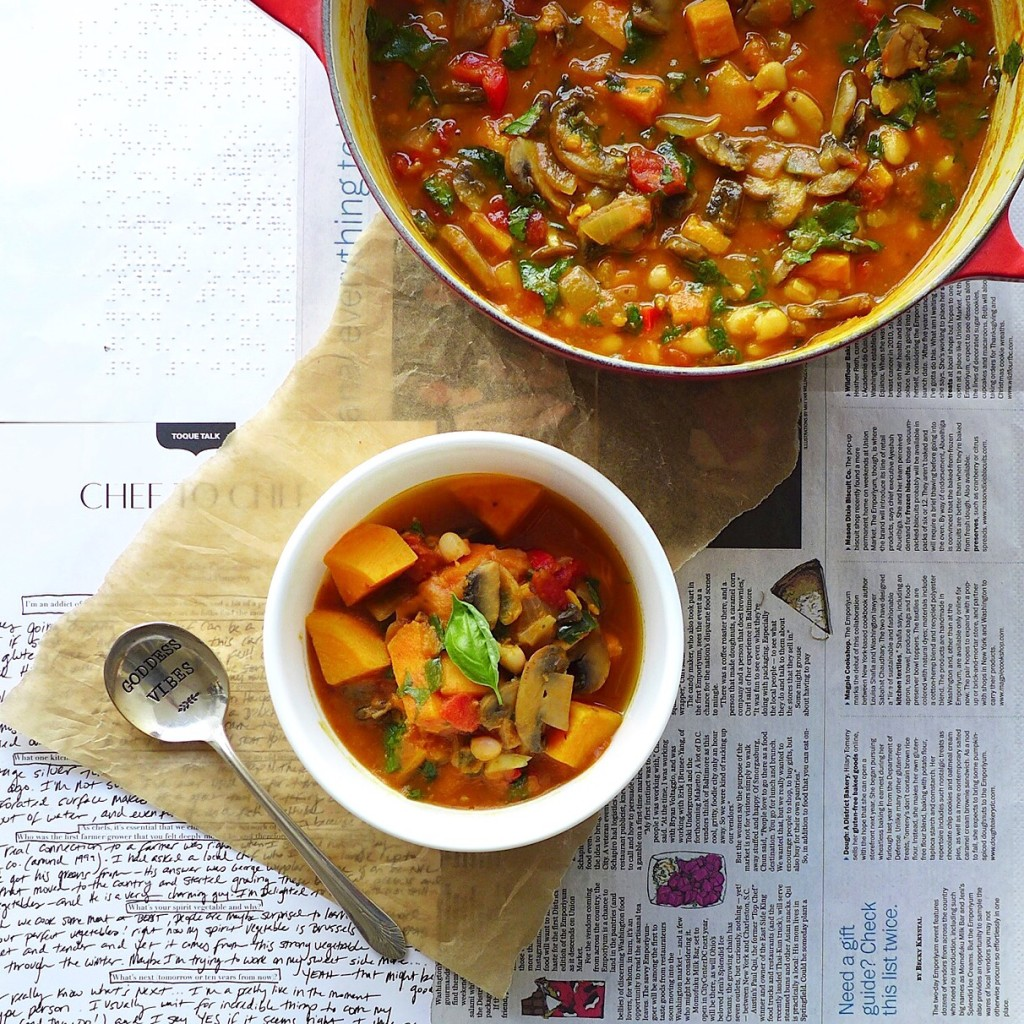 The Great Pumpkin Stew + Tips for a Healthful Holiday  (vegan) // inmybowl.com