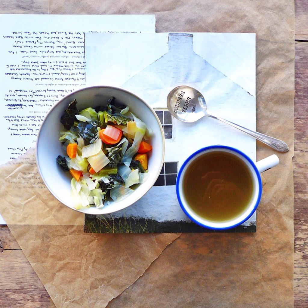Sipping Vegetable Broth with kale, cabbage, sweet potato, ginger & garlic, #vegan bone broth alternative // inmybowl.com