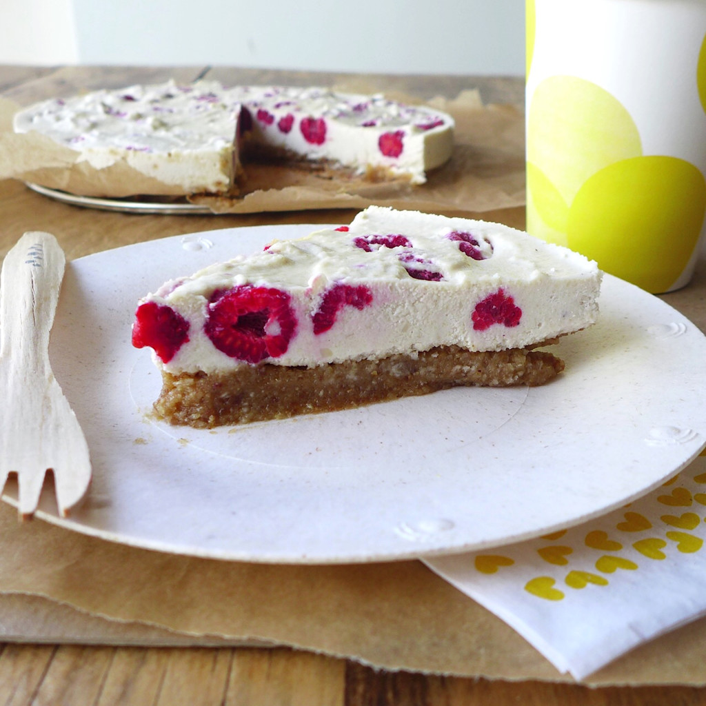 Raw Vegan Raspberry Coconut Cheesecake // inmybowl.com
