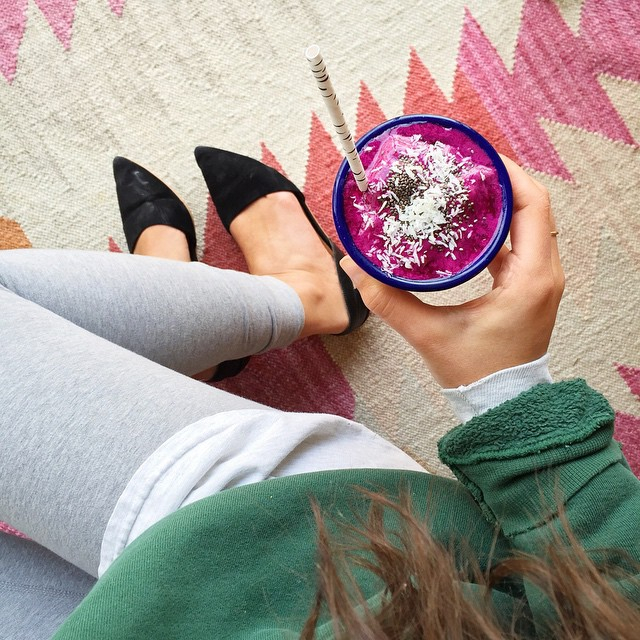 raw + vegan Goddess Bowl Smoothie with pitaya, banana & avocado // inmybowl.com
