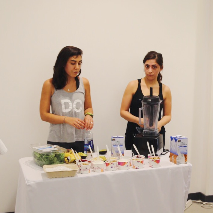 A Celebration of Whole Body Wellness [SoulCycle x Whole Foods] - #vegan smoothie + toppings demo // inmybowl.com