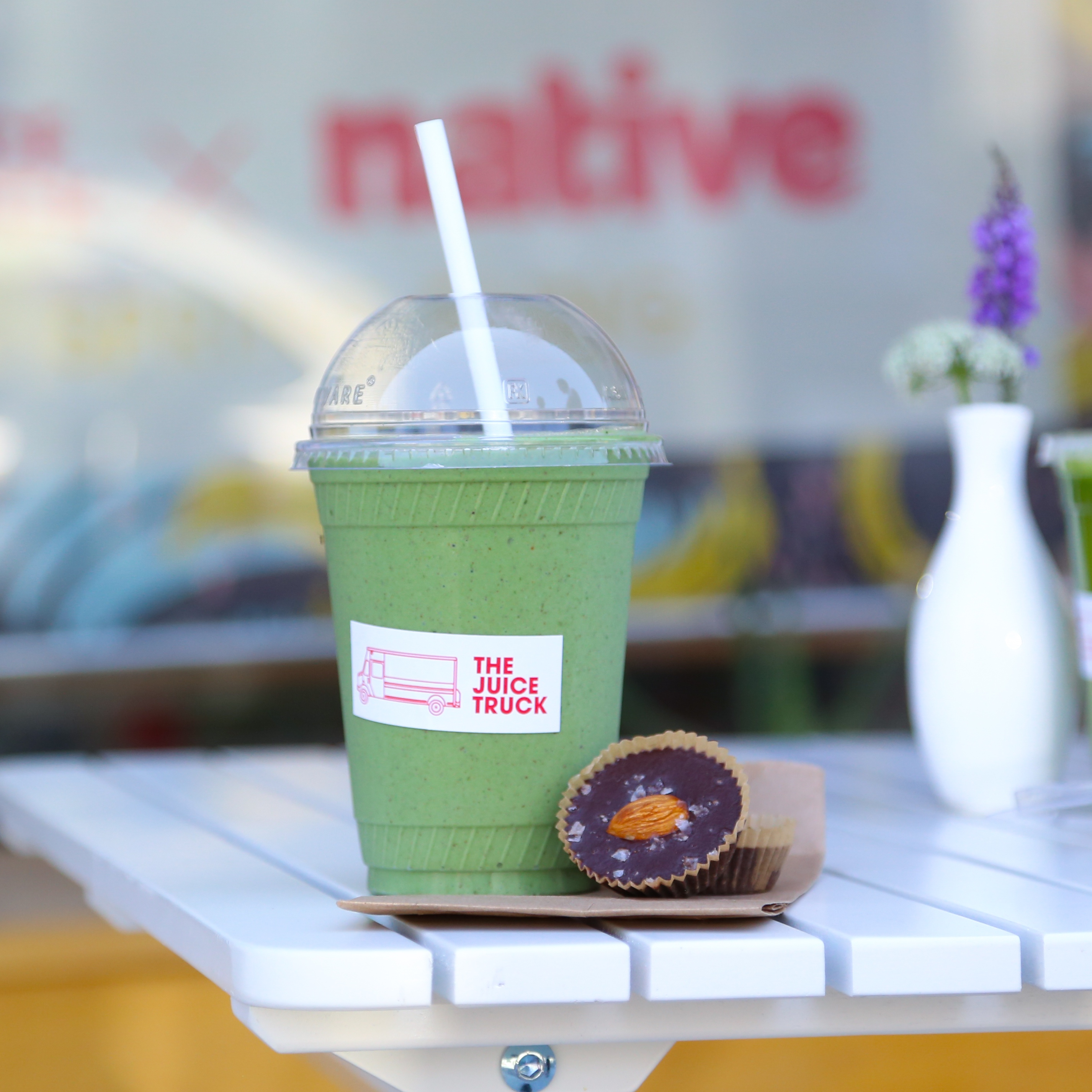 Vancouver Vegan City Guide: Juice Truck + The Green Protein Smoothie Recipe // inmybowl.com