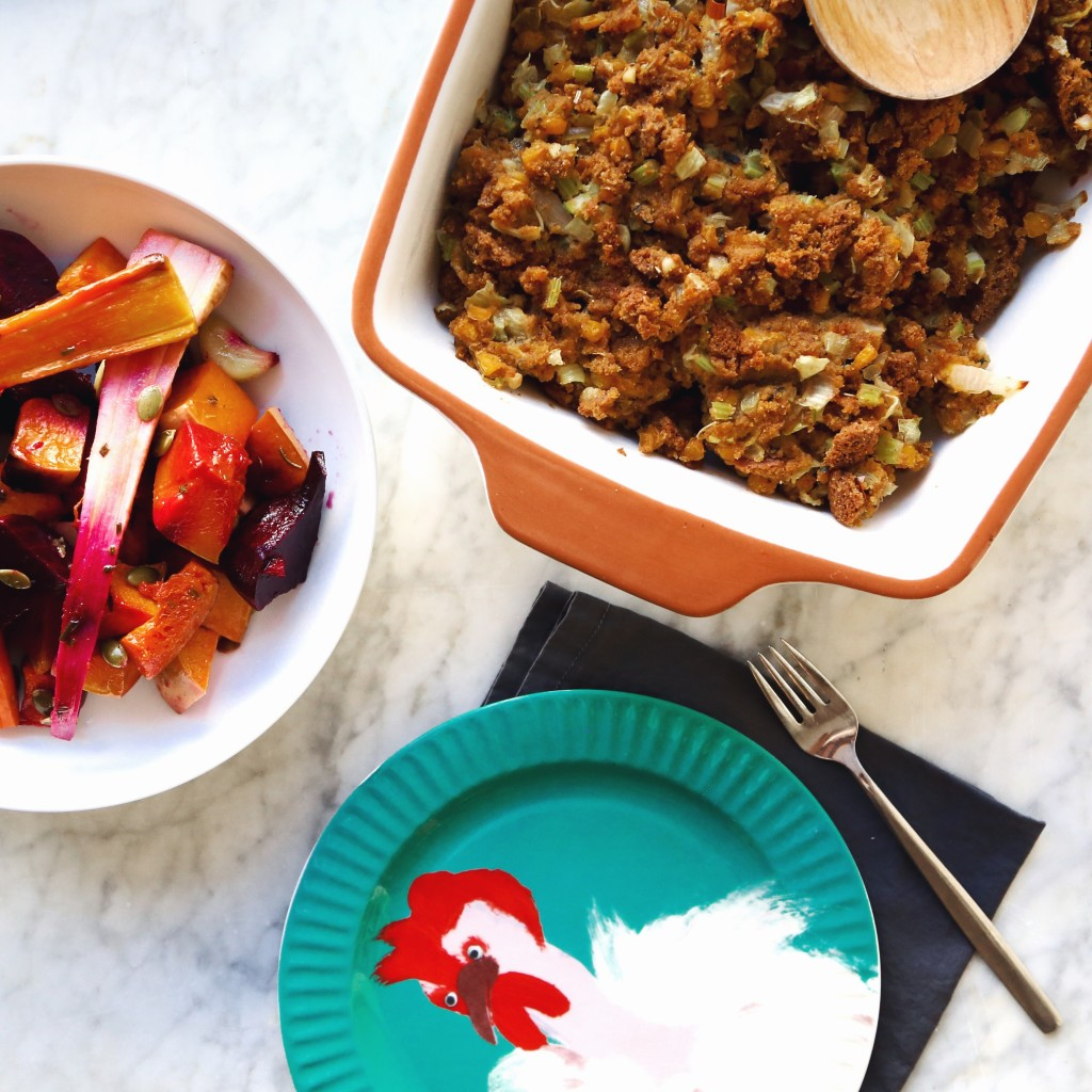 Homemade Corny Cornbread Stuffing Recipe - for a vegan Thanksgiving holiday // inmybowl.com