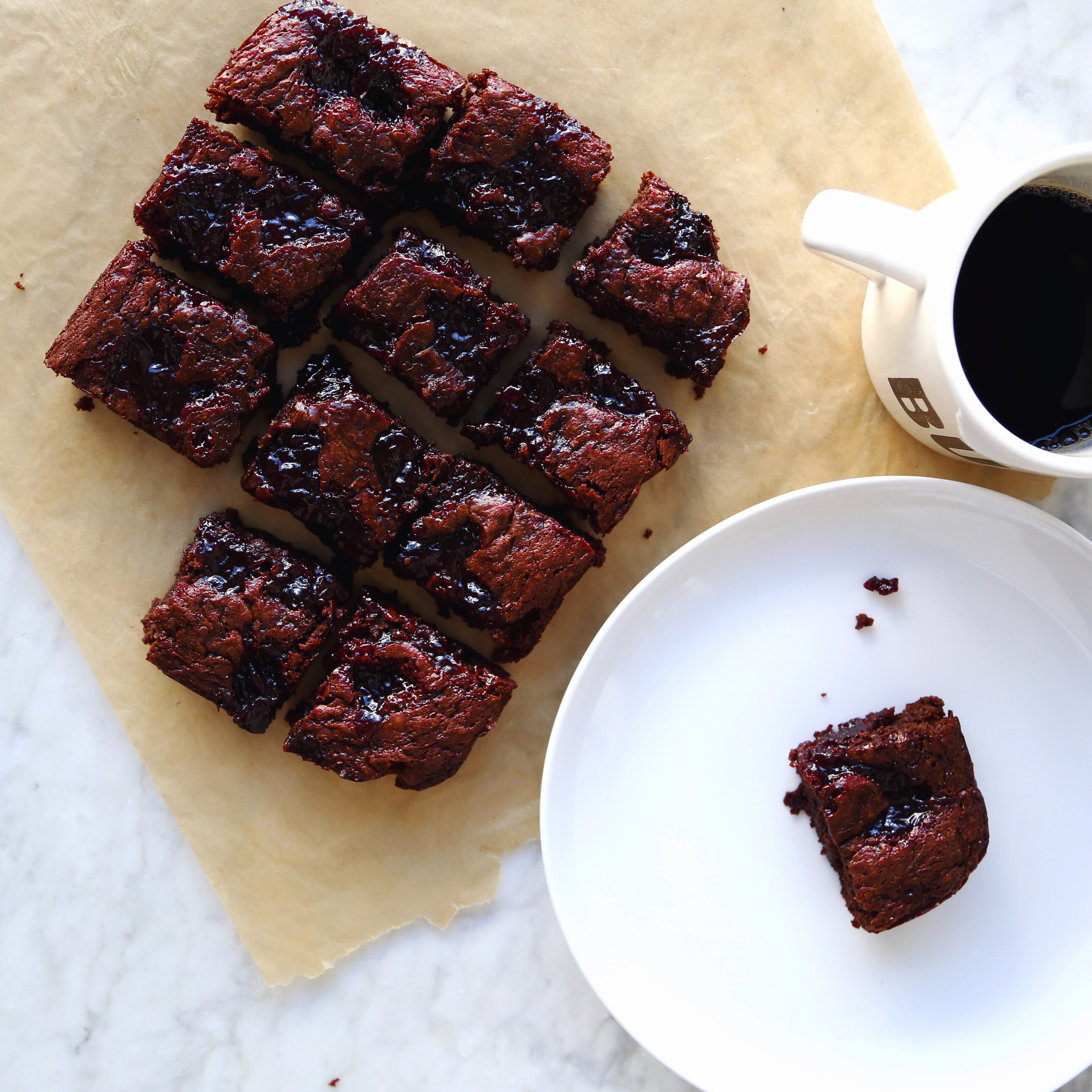 Dark Chocolate Cherry Vegan Brownies Recipe // inmybowl.com