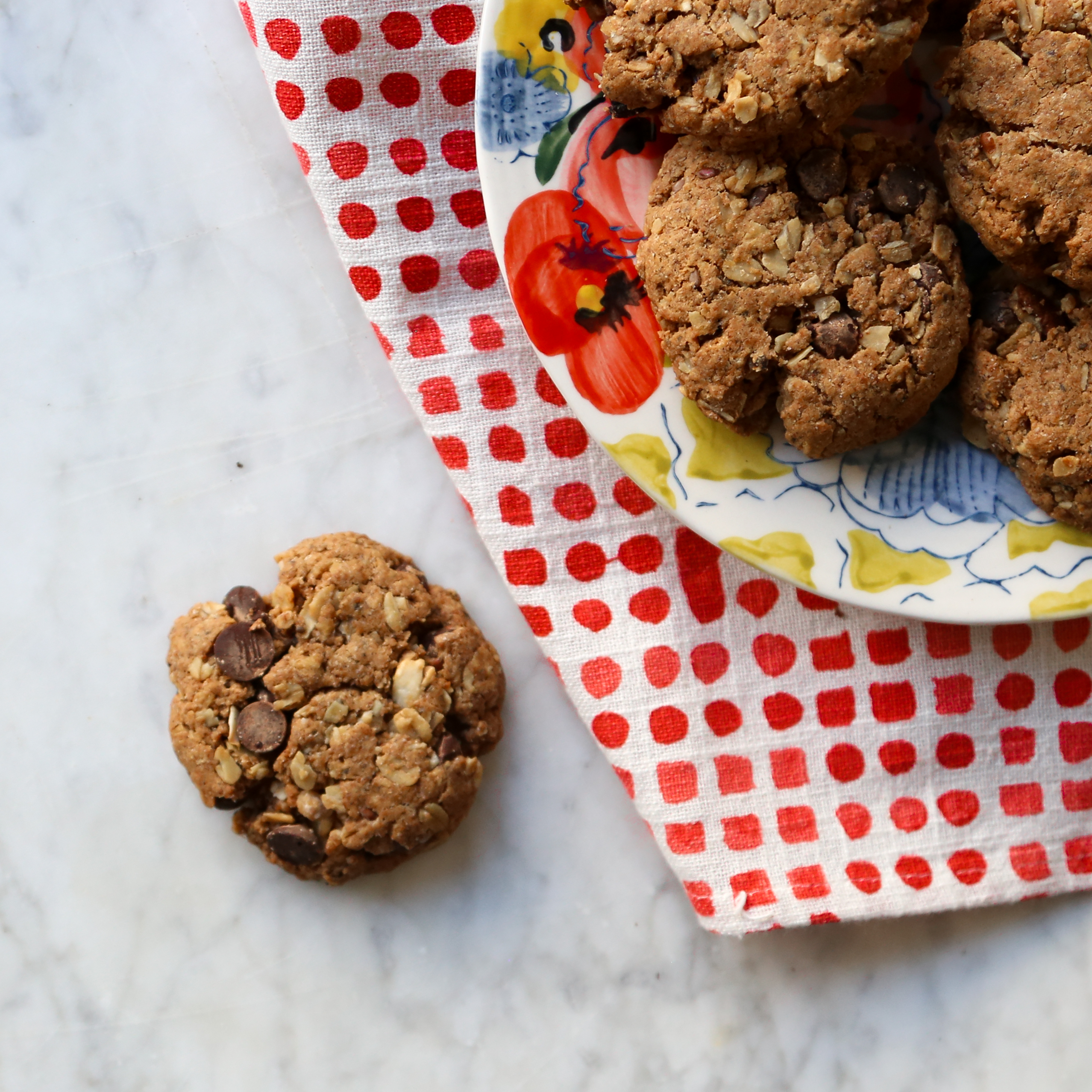 Chocolate Chip Muesli Cookies with Cherry and Pecan Recipe, vegan oatmeal, inmybowl.com