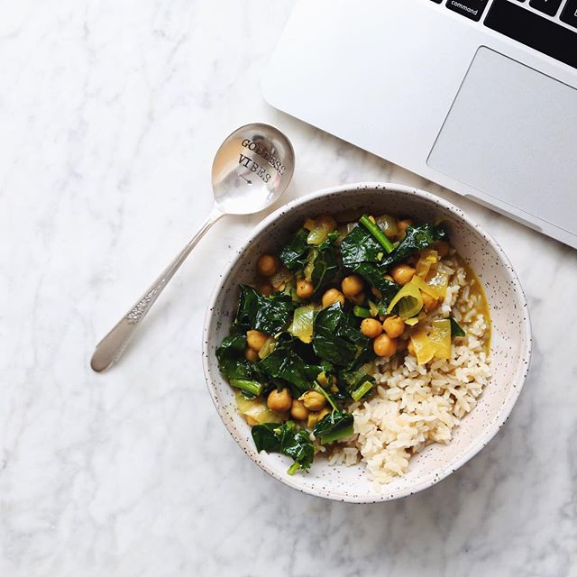 Chickpea & Kale Curry, vegan coconut broth based curry recipe // inmybowl.com
