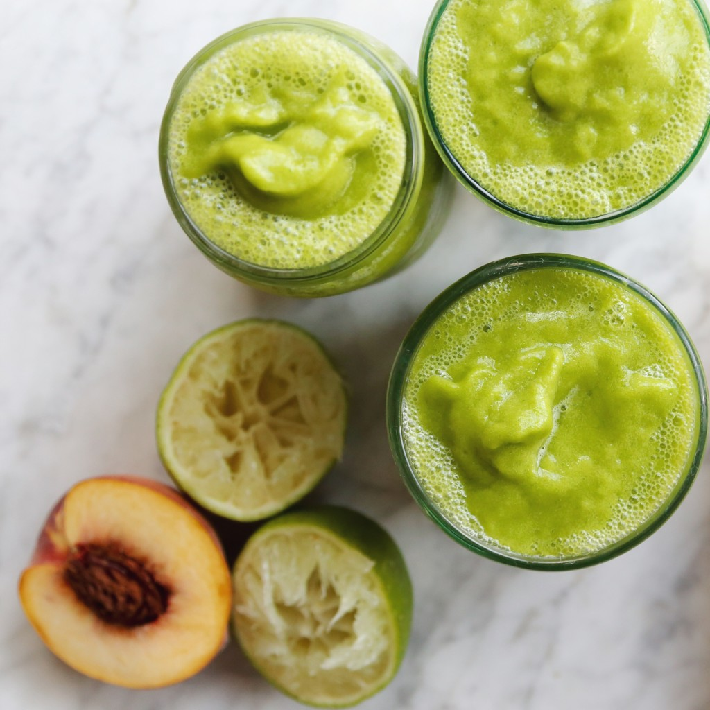 Peach Tea and Green Mango Smoothie - vegan // inmybowl.com