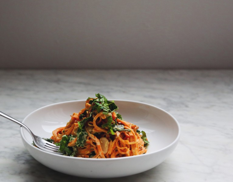 Garlicky Sweet Potato Noodles with Creamy Kale and White Bean Sauce, vegan + passover friendly // inmybowl.com